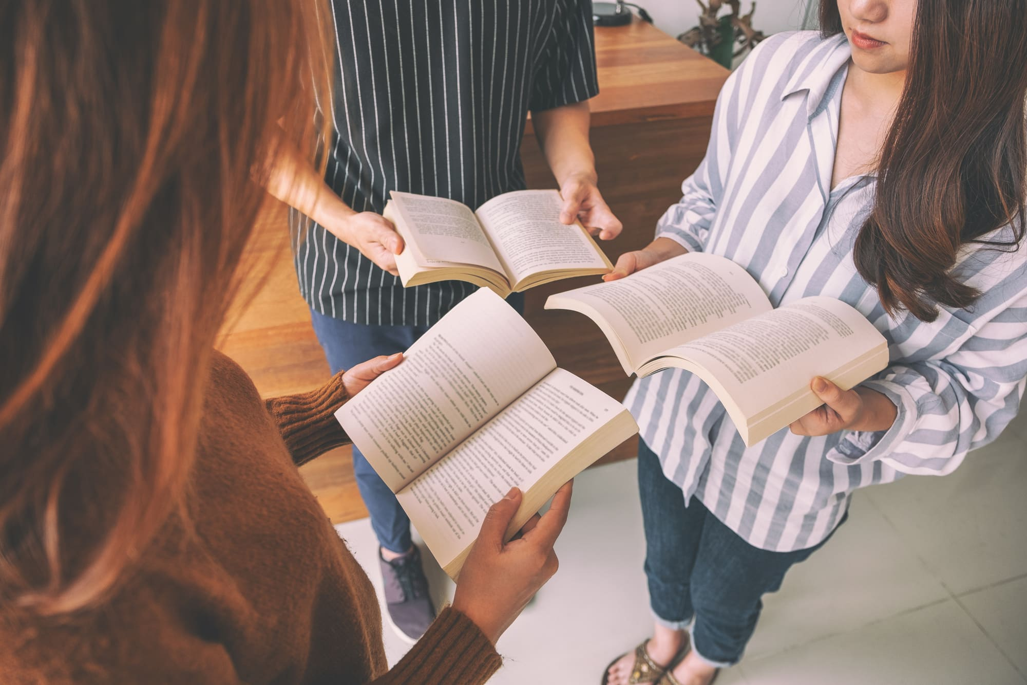11 [POWERFUL] Bible Verses About Sharing Your Faith